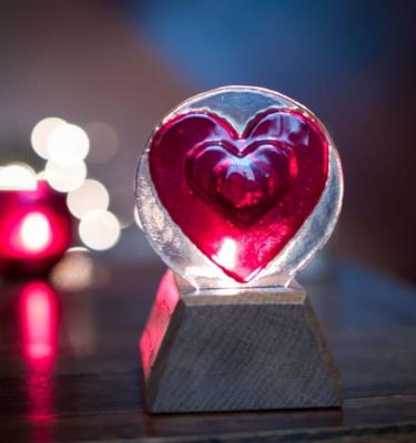 Circle heart in an oak base