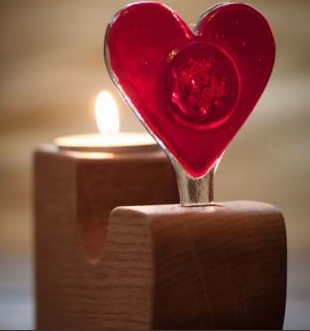 Heart with a curved oak base