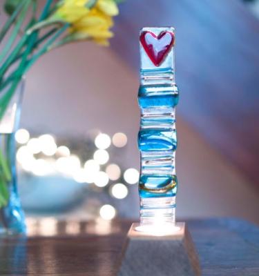 Striped heart tower set in an oak base