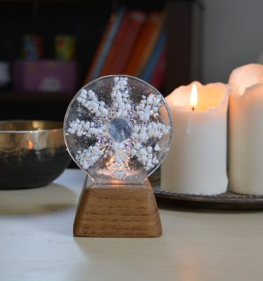 Sparkle snowflake memorial glass sculpture